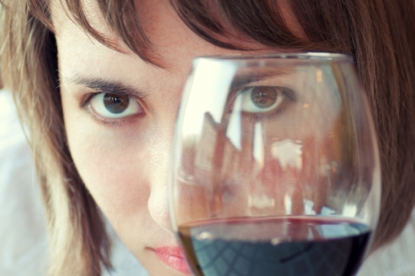 The Effects Alcohol Can Have on Your Eyes